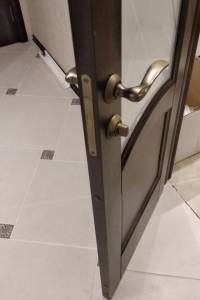 Фото пример работы, установка двери Грация 2